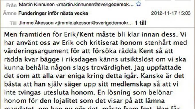 """SD-ledamoten Martin Kinnunes mejl om att """"belöna"""" Almqvist efter skandalen"""
