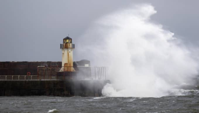 Tors systerstorm Gertrud har slår hårt mot Storbritannien. Foto: Tom Ross/Rex/Shutterstock