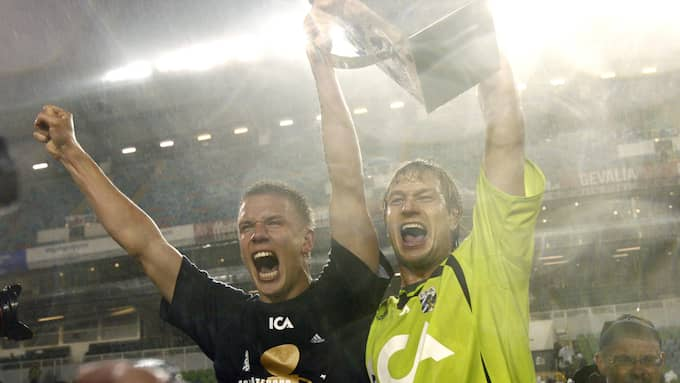 Pontus Wernbloom och Bengt Andersson efter guldet 2007. Foto: LEIF JACOBSSON