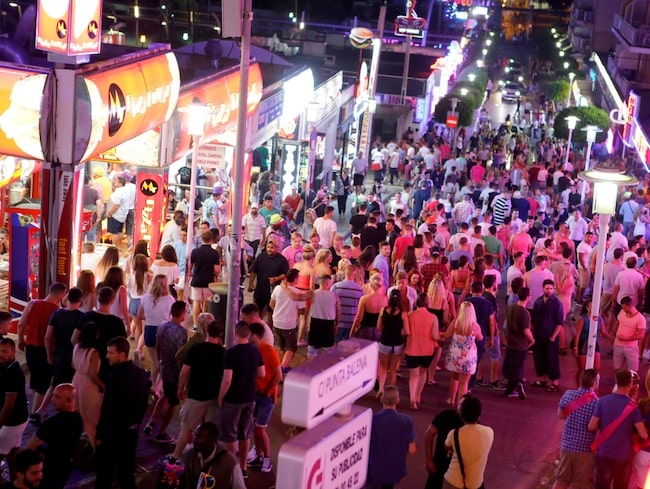 Magaluf är en populär ort för festsugna ungdomar.