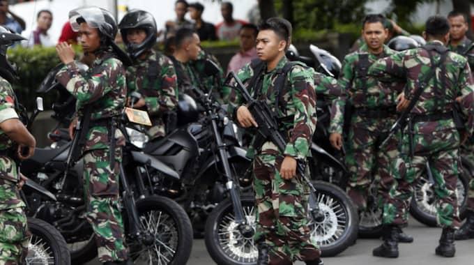 Militärer på gatorna i Jakarta. Foto: Adi Weda / Epa / Tt