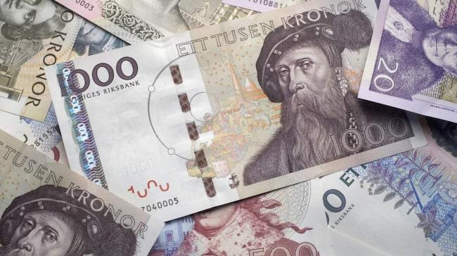 Den som får en betalningsanmärkning har en skuld som den inte betalat efter krav om inkasso. En betalningsanmärkning finns kvar i tre år för privatpersoner och fem år för företag.