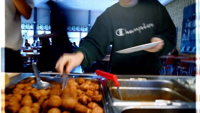 Föräldrar som vill att deras barn ska äta specialmat, trots att det varken finns religiösa eller medicinska skäl, borde få packa ned en matsäck i skolryggsäcken. Foto: CHRISTER JÄRESLÄTT / KVP
