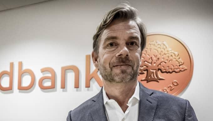 Spekulationerna har haglat mot Swedbanks sparkade vd Michael Wolf. Under tisdagen uppgav källor till dagens industri att orsaken till att Swedbank anmälde sin vd till Finansinspektionen var aktieköp som gjorts i bolaget Oniva Online Group. Foto: Magnus Hjalmarson Neideman/Svd/Tt