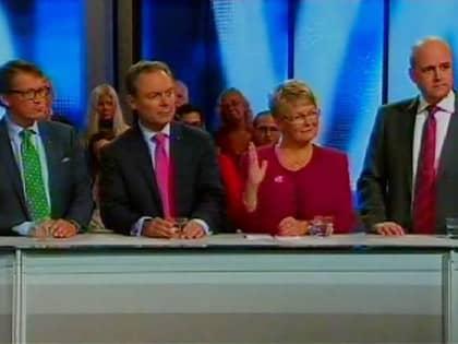 I utfrågningen räckte bara Maud Olofsson upp handen. Foto: TV4