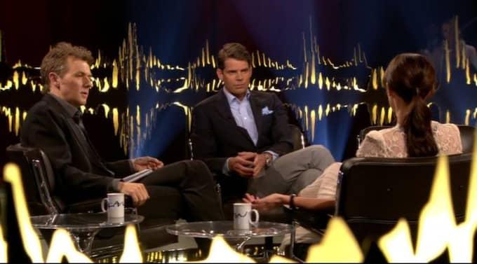 """Avklädda. Alex och Amanda Schulman i fredagens """"Skavlan"""". Foto: SVT"""