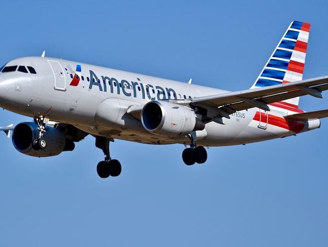 En kvinna glömde sitt bagage på ett American Airlines-plan.
