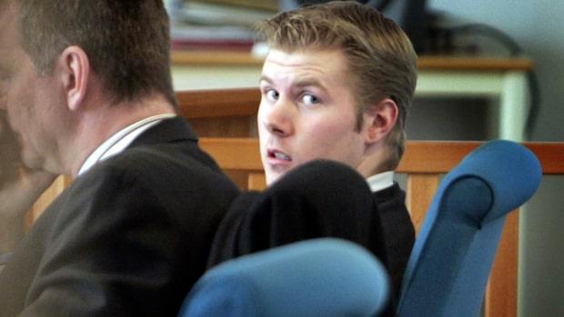 Mikael Hagelin mördade sin mamma och flickvän