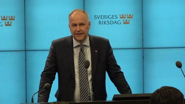 Jonas Sjöstedt hoppas att Stefan Löfven skapar regering