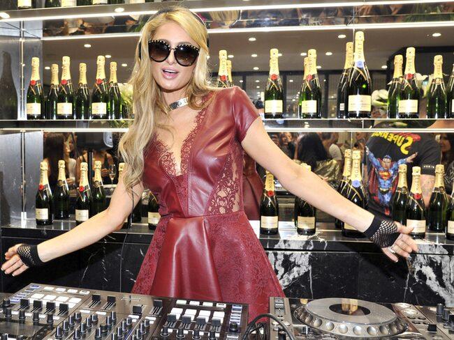 Paris Hilton är känd för att leva ett liv kantat av pengar, pompa och ståt.