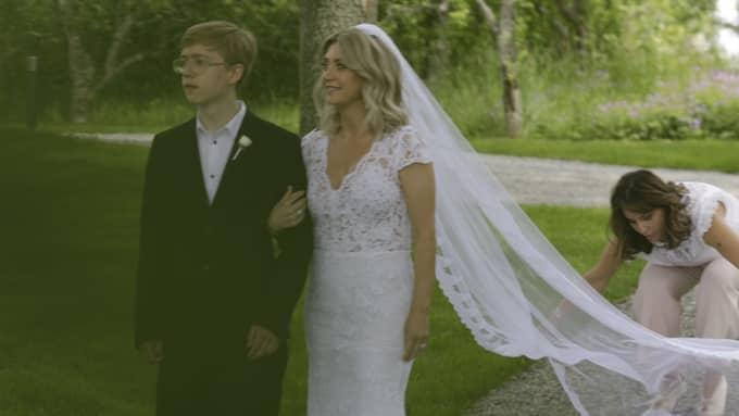 Camillas brudklänning designades av Ida Lanto