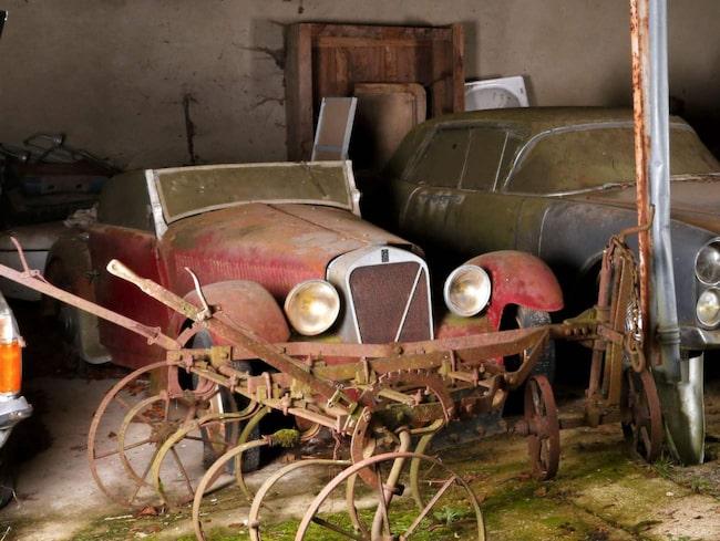 """Så kallade """"barn finds"""" – alltså bilar som stått undangömda länge – har blivit hett eftertraktade villebråd. Och trots att de ofta är hårt märkta av tidens tand kan de inbringa stora summor när de säljs."""