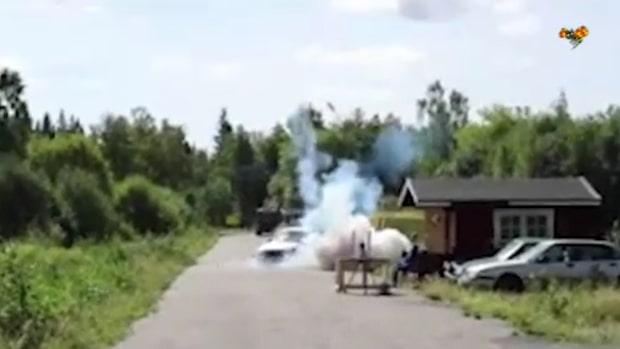 Hotade familj med bomb - här prövar polisen sprängkraften