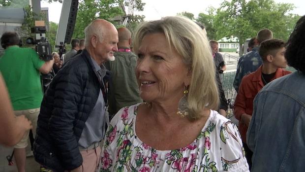 Ann-Louise Hanson hyllar Lill-Babs i Allsång på Skansen