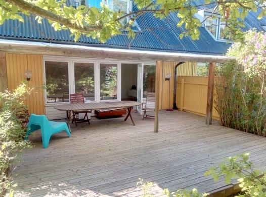Familjen Parnevik har också ett radhus i Åkersberga vilket inte så många vet om. Ett hus som behövde sig en uppfräschning...