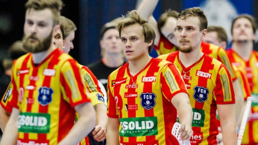 FC Helsingborgs storstjärna Linus Nordgren (mitten) kan få Andreas Harnesk som tränare nästa säsong. Foto: Mathilda Ahlberg