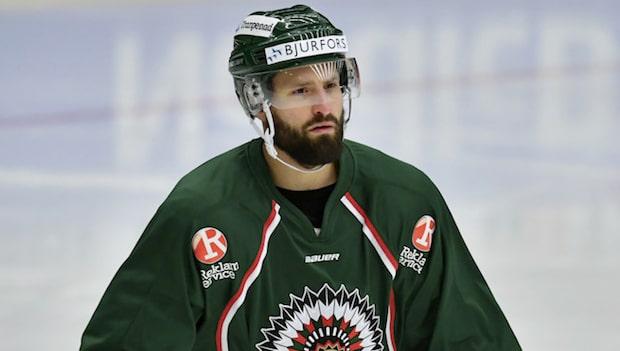 """""""Han är inte klar med hockeyn"""""""