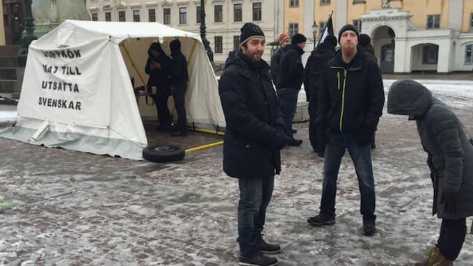 Nazistiska Svenska Motståndsrörelsen ansökte i en privatpersons namn när man ville slå upp ett sopptält. Foto: Jens Andersson