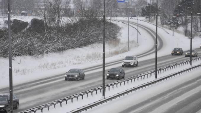 I dag reser många hem efter påskledigheten runtom i landet - och nu uppmanar Trafikverket bilisterna att ta det lugnt ute på vägarna. Foto: Henrik Isaksson/IBL-AOP
