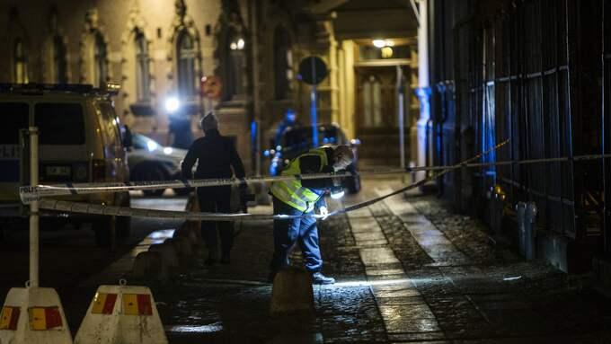 Polisen letade spår efter attacken. Foto: HENRIK JANSSON / GT/EXPRESSEN