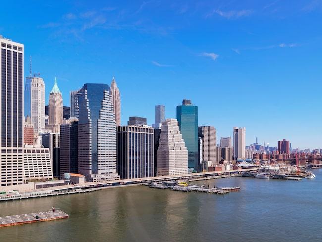 Ett stenkast från Manhattan i New York ligger an skräckinjagande, övergiven ö som få får tillträde till - North Brother Island.