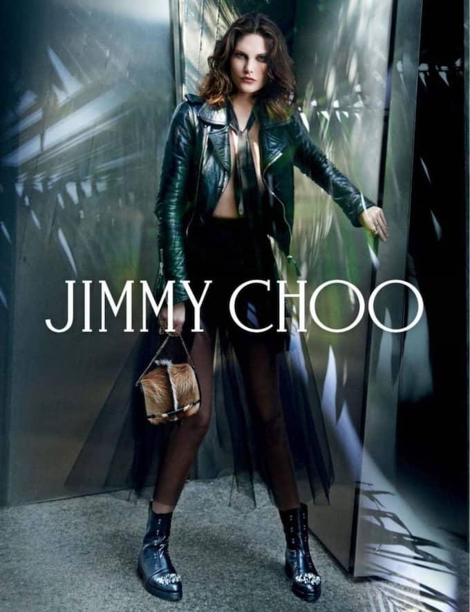 Australiska modellen Catherine McNeil frontar Jimmy Choos höst/vinterkampanj 2014/15.
