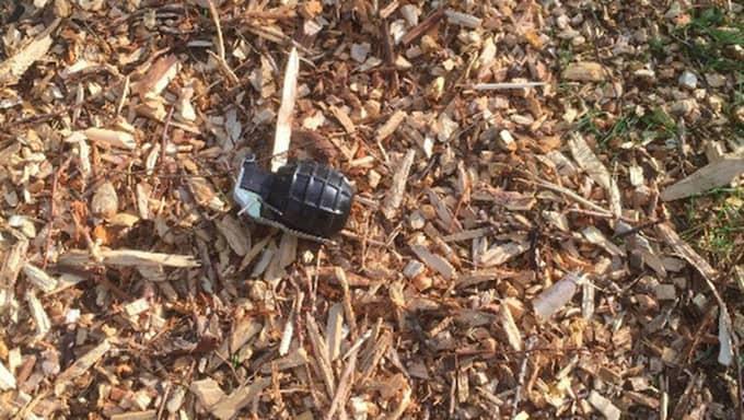 Granaten som bombgruppen senare bekräftade var skarpladdad. Foto: Privat