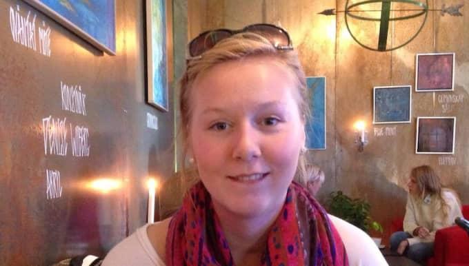 Sofia Eriksson, 22, fick vänta i två månader på en läkartid. Det gjorde att hon fick ett hjärtstopp – och var nära att dö. Foto: Privat