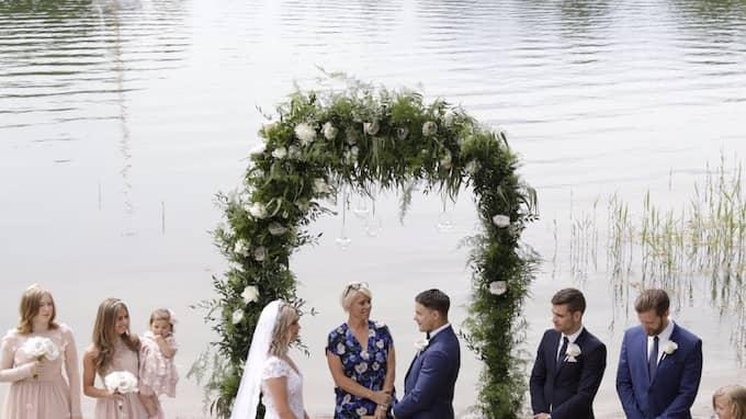 Paret gifte sig i hemlighet på Camilla Läckbergs lantställe