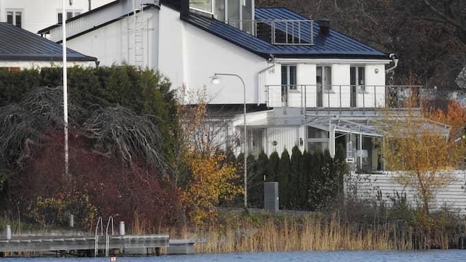 Villan hade från början fyra halvplan. Men efter att ett femte byggdes till i källaren 2011 verkar saker ha gått på tok. Foto: JANNE ÅKESSON / SWEPIX