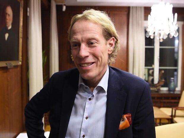 Från landslagsstjärna till bankdirektör – så lever Jonas Bergqvist idag