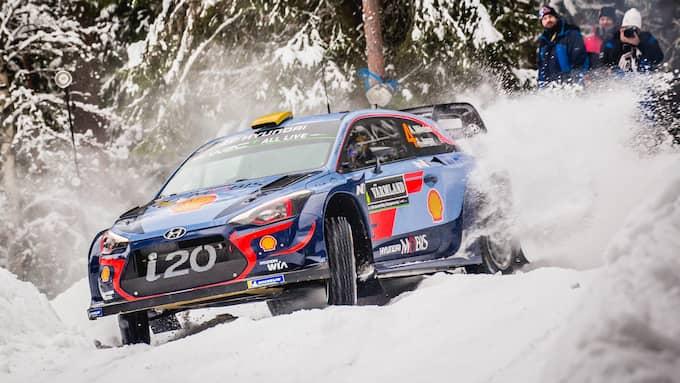 Andreas Mikkelsen jagar segern i Svenska rallyt. Foto: ANDRE LAVADINHO / IMAGO/PANORAMIC IMAGO SPORTFOTODIENST