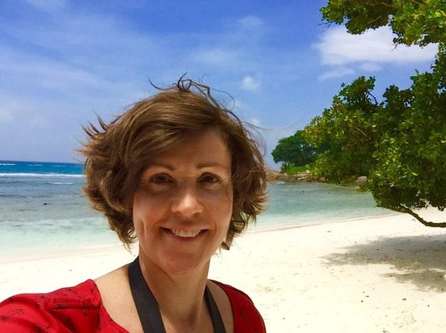 Lottie Knutson guidar till Seychellernas bästa öar, stränder och boenden.