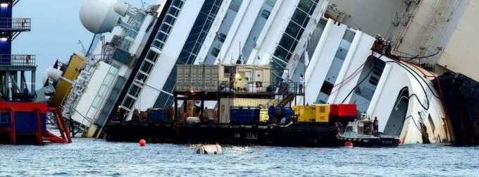 Kryssningsfartyget Costa Concordia rände på undervattensklipporna utanför den italienska ön Giglio den 13 januari 2012 och blev vår tids Titanic. Foto: Marco Secchi