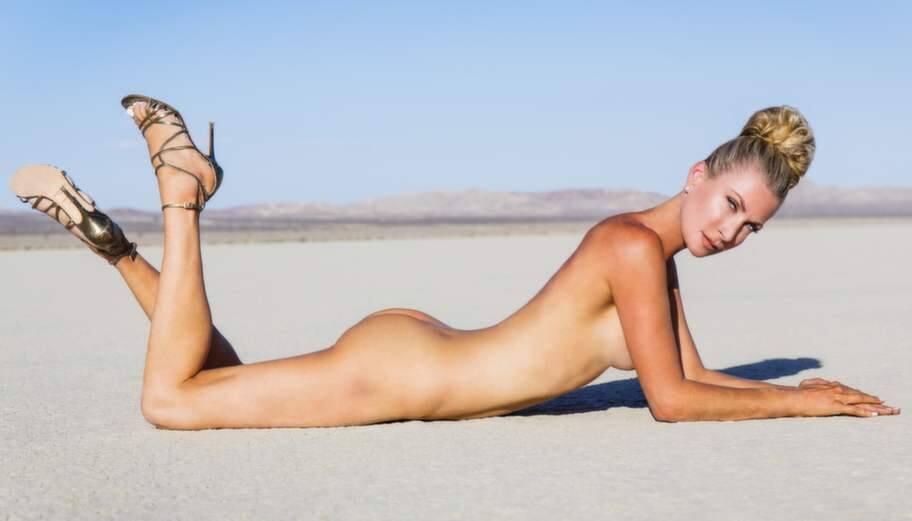 paradise hotel nakenbilder lene alexandra toppløs