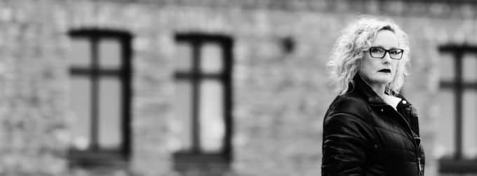 deckardrottning. Göteborgs Ingrid Elfberg utforskar i sin andra roman, Tills döden skiljer oss åt, våld i nära relationer. Foto: JENNY SEGERFELT Foto: Ola Kjelbye