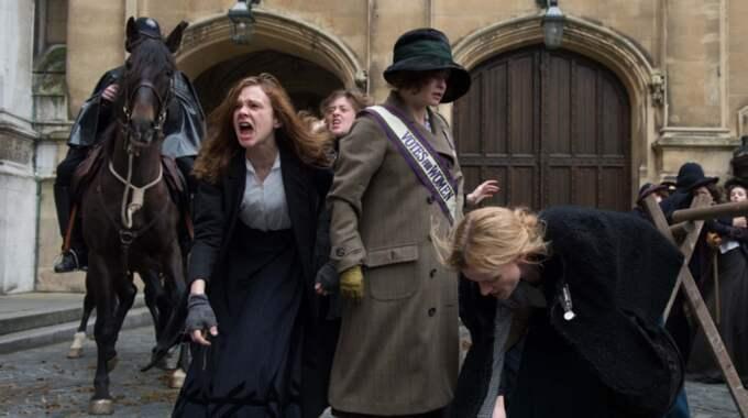 """KAMPSYSTRAR. I filmen """"Suffragette"""" skildras den brittiska rösträttsrörelsens hårda kamp. Foto: Steffan Hill"""