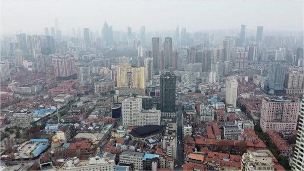 Kuslig drönarfilm efter viruset - se stadens spöklika förändring