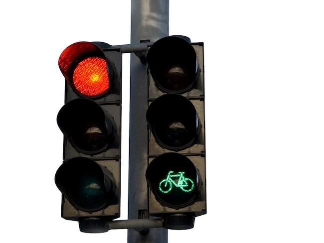 Korsningar där cyklister har grönt i alla riktningar finns exempelvis i Nederländerna.