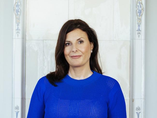 Johanna Gillbro har doktorerat inom experimentell och klinisk dermatologi vid University of Bradford i England. I vår är hon aktuell med boken Hudbibeln.