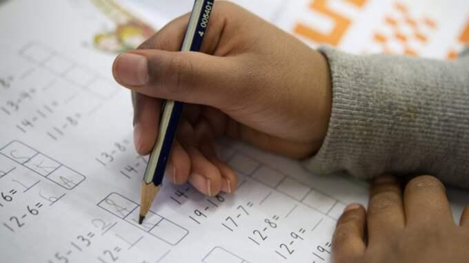 Dags att förbjuda pennan i undervisningen? Foto: Jessica Gow / TT
