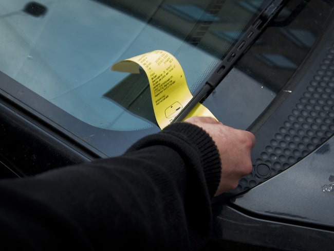 """""""Bilmålvakter"""" gör det möjligt för många svenskar att slippa betala parkeringsböterna."""