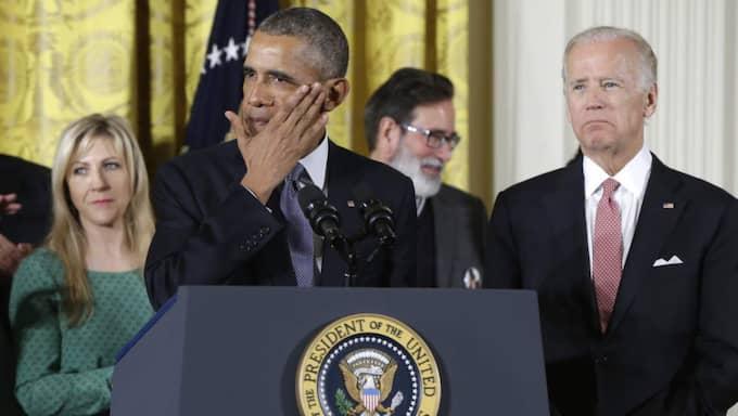 """""""Varenda år förkortas mer än 30 000 amerikaners liv med vapen. Trettiotusen. Självmord, våld i hemmet, gängskottlossningar, olyckor"""", sade Obama under det anförande där han presenterade åtgärderna. Foto: AP"""