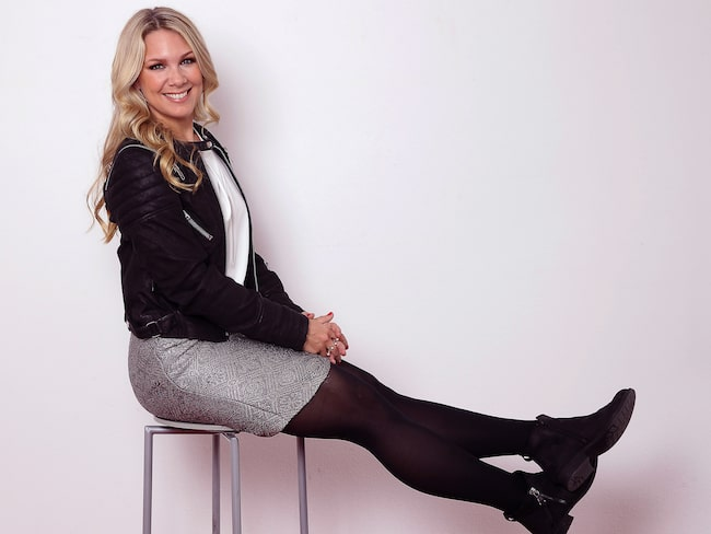 """Träning har alltid varit en viktig del av programledaren Anna Brolins liv: """"Jag har ganska mycket muskler och det har jag inte alltid känt mig superbekväm med""""."""