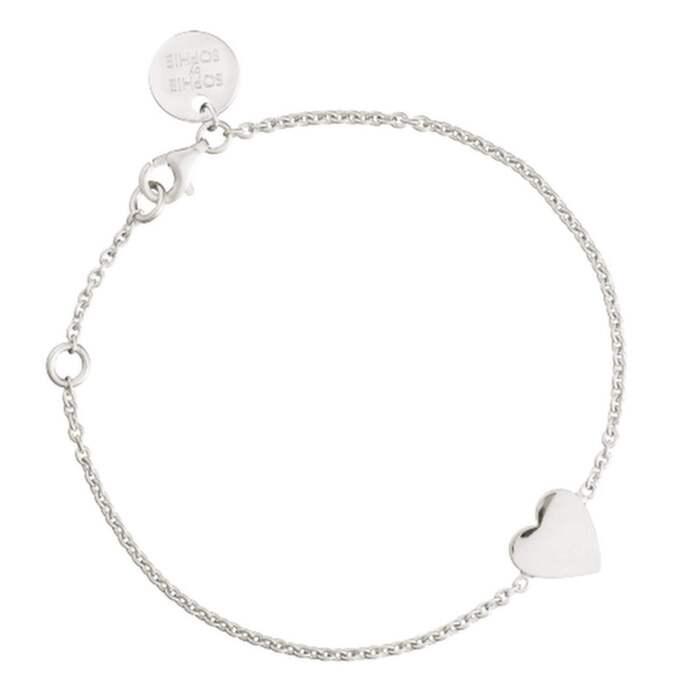 Heart bracelet från Sophie by Sopie, utan gravyr kotar det 990 kronor och finns även i guldplätterat silver. Foto: Robert Berggren