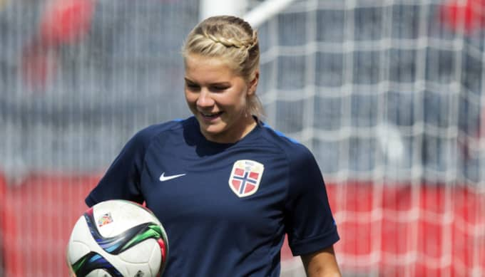 Ada Hegerberg tränar under VM i Kanada. Foto: Nils Petter Nilsson