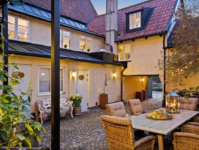 Har du drömt om att ha ett galleri eller butik mitt i det mest centrala Visby, S:t Hanskvarteren i Visby Innerstad? Då är en fantastisk möjlighet här.