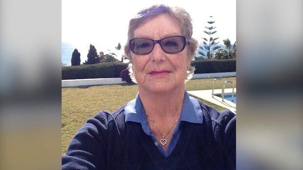 Birgitta, 75, strandsatt på flygplatsen – rasar mot flygbolaget