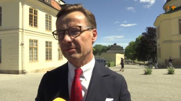 Ulf Kristerssons kryptiska ledtråd – det får Adrienne i doppresent